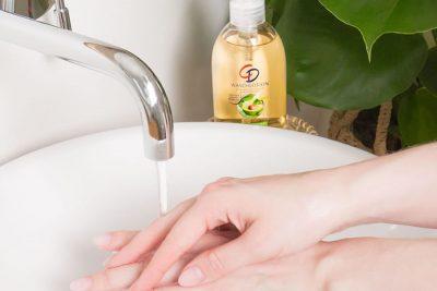 Bild zu CD Körperpflege: Wie Seife gegen das Coronavirus wirkt