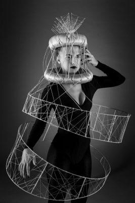 The Red Thread von Lisa Bedrava