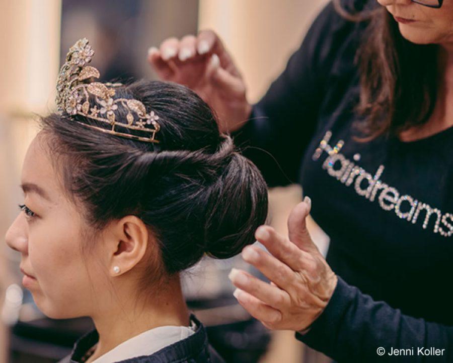 Glamouröses Hairstyling für die Debütantinnen des Wiener Opernballs 2018