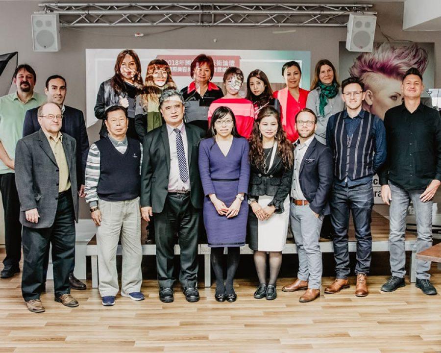 Frisuren 2019 - Delegation aus Taiwan zu Gast an der Deutschen Friseurakademie