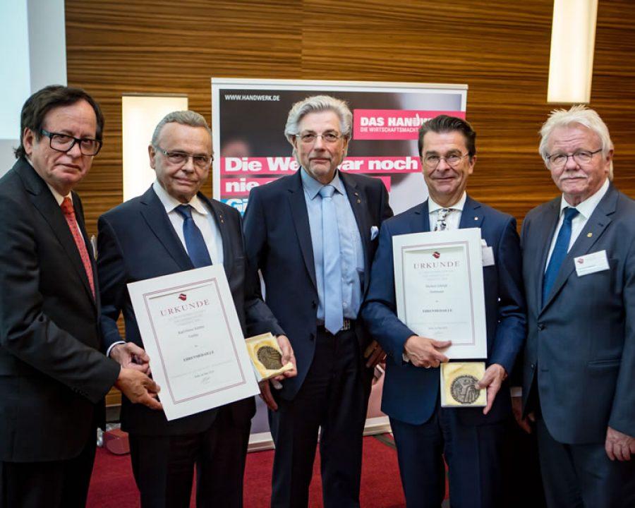 Zweifache Verleihung der Ehrenmedaille des deutschen Friseurhandwerks