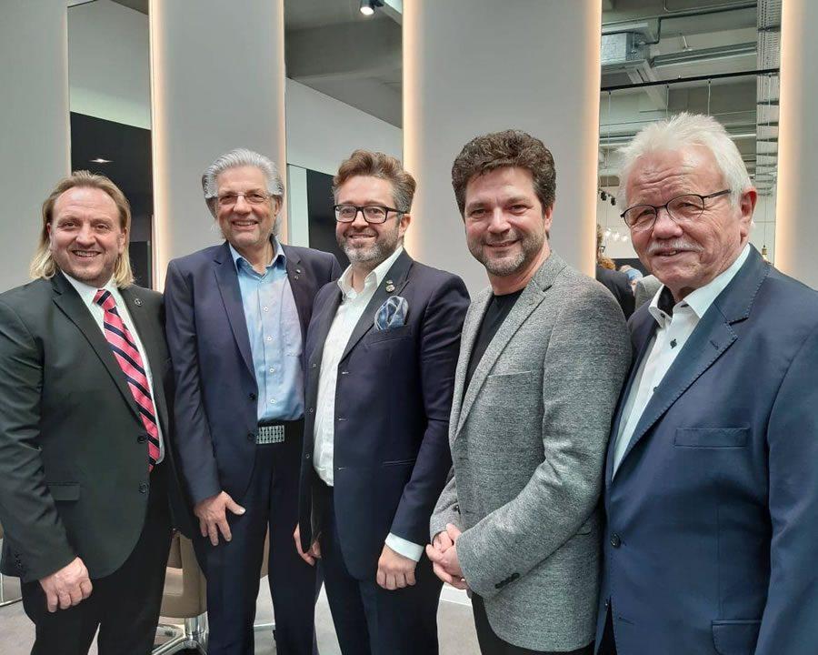 Gemeinsam zum Ziel: Gründung der OMC Germany