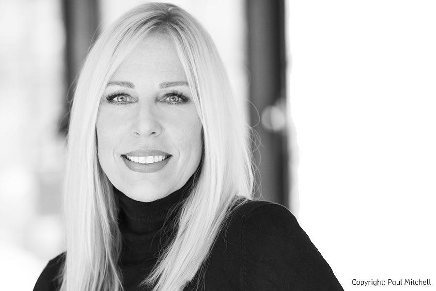 """BEAUTY DÜSSELDORF 2020: Karin Darnell erhält """"Goldene Maske für Visagistik"""" - Bild"""