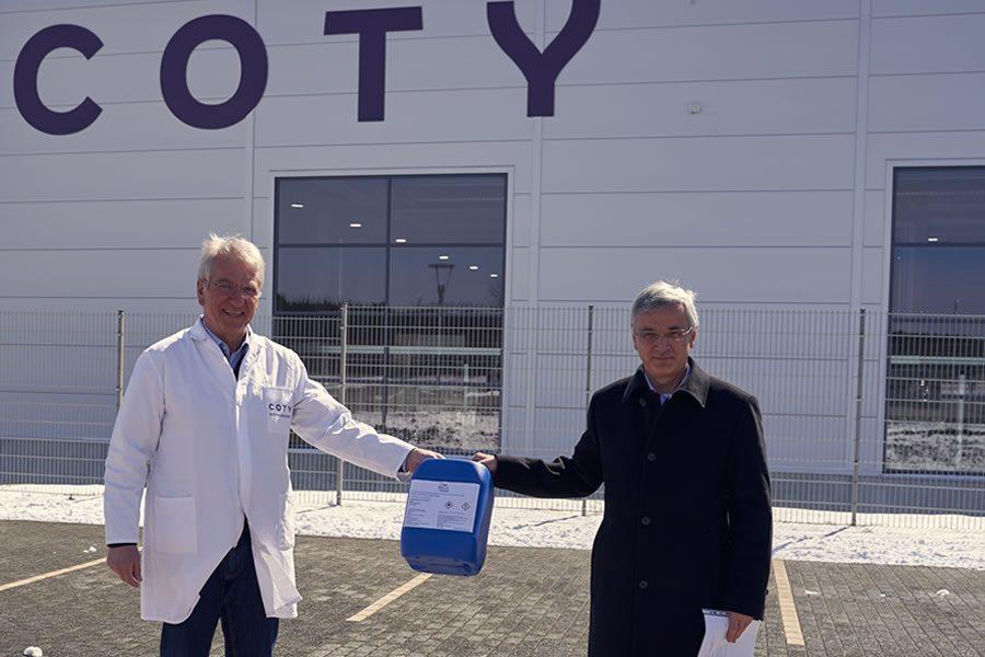 Coty Rothenkirchen produziert und spendet Handdesinfektionsmittel, um Eindämmung des Coronavirus zu unterstützen