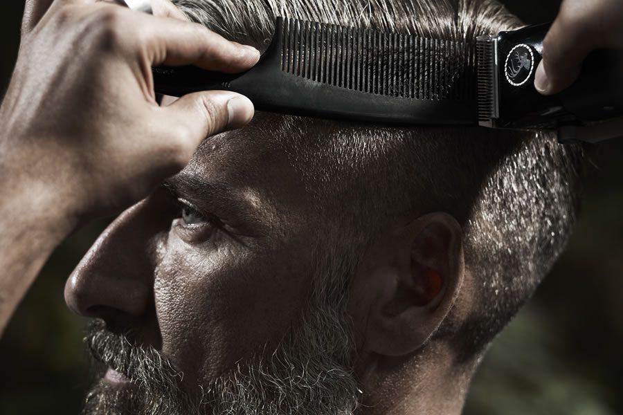 Kundenbindung in Krisenzeiten: 5 Profi-Tipps zur Haar- und Bartpflege für den Barberkunden