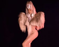 Charlie Le Mindu präsentiert neue Haute Coiffure-Kollektion A Male Gaze im Crazy Horse - Bild