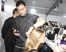 Star-Friseur Luigi Murenu mit KÉRASTASE für Givenchy auf der New York Fashion Week 2015 - Bild
