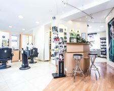 Salon Haarscharf - Barbershop meets Damenluxus: News, Szene