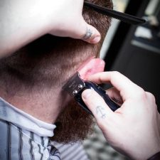 7 | Des Barbers wichtigstes Tool: T-Blade Trimmer