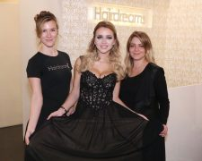 Cathy Lugners erneut glamouröser Auftritt am Wiener Opernball - Bild