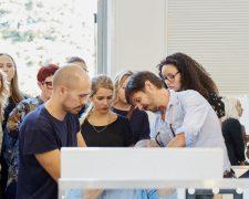 Frisuren-Trends 12 - Supermodel-Reunion bei Versace