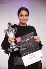2   Sinem Cinar aus Brühl gewinnt Young Make-up Talent Award