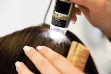 19   Salonkunden mit Kopfhaut- und Haarproblemen im Fokus