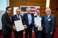 2 | Zweifache Verleihung der Ehrenmedaille des deutschen Friseurhandwerks