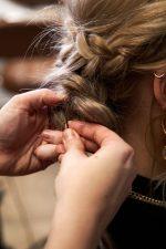 Frisuren-Trends 32 - Step-by-Step zum Weihnachtslook