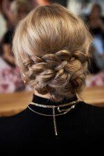 Frisuren-Trends 34 - Step-by-Step zum Weihnachtslook