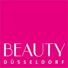 Sammy Gharieni erhält bei der BEAUTY DÜSSELDORF 2020 den Award A Life of Beauty