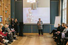 1   Leading Salon Ladies: Frauen in Führung