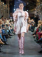 Frisuren-Trends 4 - La Biosthétique Paris entwirft als exklusiver Beauty Partner Haar- und Make-up Looks zur feenhaften Lana Mueller Show Innocence