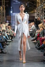 Frisuren-Trends 6 - La Biosthétique Paris entwirft als exklusiver Beauty Partner Haar- und Make-up Looks zur feenhaften Lana Mueller Show Innocence