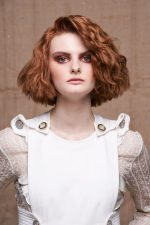 Frisuren-Trends 6 - REFLECTION ON NATURE