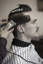 Frisuren-Trends 13 - Skinfaded Sideparting - Wahl präsentiert den markanten Männerlook 2020