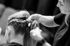 Frisuren-Trends 27 - The Red Thread von Lisa Bedrava