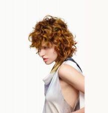 Frisuren-Trends 18 - ESSENTIAL LOOKS Edition 1:2021 - ARTFUL FEELING