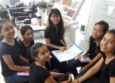 3 | Cornelia Fabbricatore verwirklicht Coiffeur-Hilfsprojekt in Kambodscha