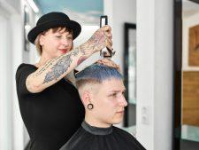 Frisuren-Trends 12 - Trendlook Blue Crop by MOSER