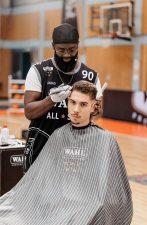 Frisuren-Trends 2 - MidFade Curly Top