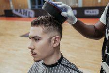 Frisuren-Trends 9 - MidFade Curly Top