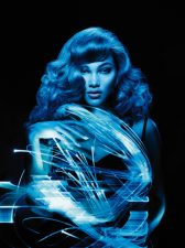 Out of Space - Model Amanda (Locken): Paul Mitchell® / Wild Beauty GmbH